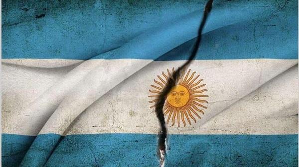 01-grieta-bandera